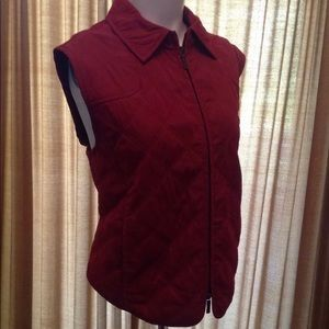 FACONNABLE RED WOMENS QUILTED VEST S/L